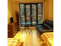 Modern 2 bed 2 bath in Tower Hamlets ideal for sharers, available now
