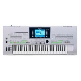 Preowned Yamaha Tyros 3 61 Note Keyboard with MS02 Speakers