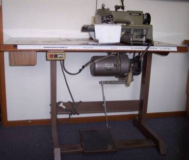 Industrial Blind Hemmer in good condition