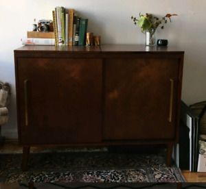 Media Cabinet / Turntable Cabinet / Turntable Stand