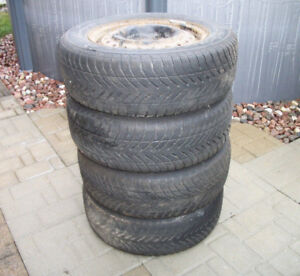15 in Tires & Rims Winter GoodYear 195/65R15 (5 mounting holes)