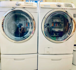 Samsung Washer/Dryer Front Load w/Pedestal WHITE