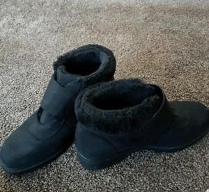 Ladies 9 winter boots
