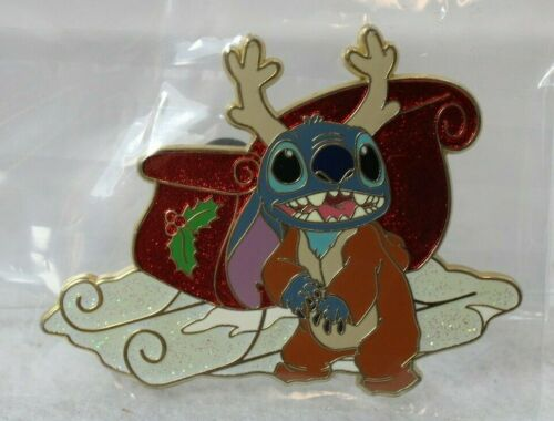 B5 Disney Shopping Store Pin LE 125 Christmas Reindeer Stitch Sleigh