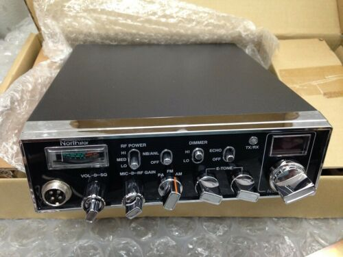 NORTHSTAR NS-3000 40 CH CB RADIO AM FM  W/  MIC