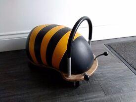 Bumble bee small wheely bug