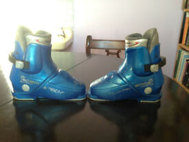 Childs Ski Boots, size 12-13 UK