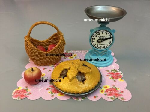 Re-ment dollhouse miniature home made apple pie kitchen scale 2009