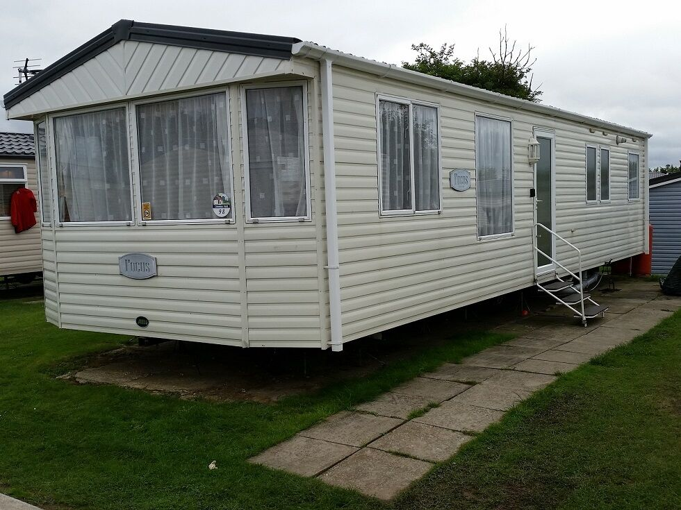 Simple Berth Caravan For Hire  Seaside Location At West Wittering