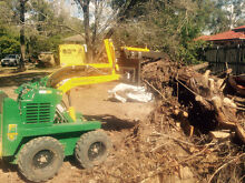 Griffo's Dingo Mini Digger Hire Trenching Post Holes Leveling Logan Central Logan Area Preview