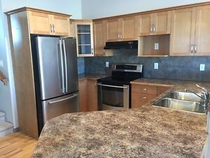 GORGEOUS 3 BED 2 BATH SINGLE FAMILY HOUSE WITH GARAGE