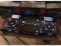 2x Pioneer CDJ 2000 NXS2 + DJM 900 NXS2 Fully boxed - Very good condition