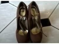 ladies beige wedges size7 brand new unwated gift