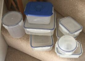 Lock Lock containers