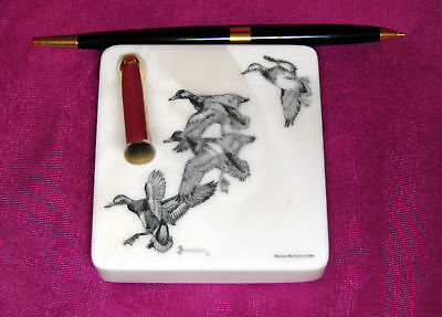 Wild Geese Etched Montana Marble Desk Pen Holder Set