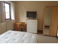 Double room for rent New Malden 5mins from station