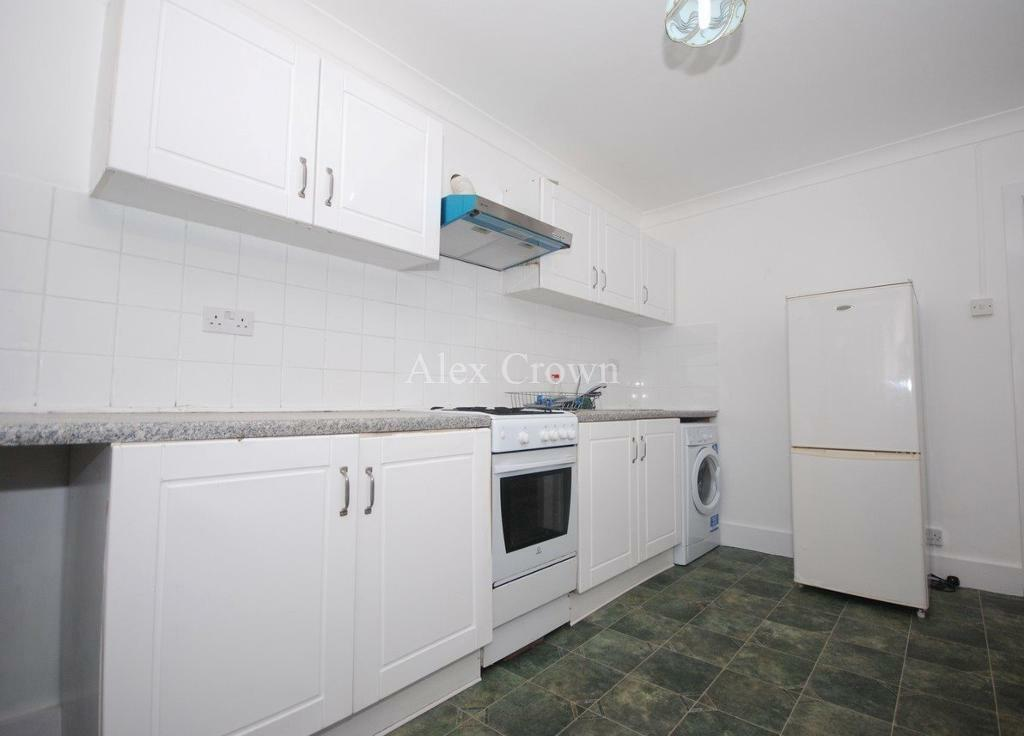 2 bedroom flat in Wightman Road, Harringay