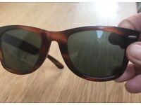 Ray Ban original 1990s Wayfarer sunglasses vintage