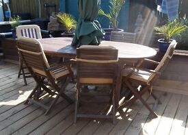 LARGE GARDEN TABLE WITH 8 CHAIRS PLUS UMBRELLA