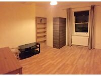 1 bedroom flat in Earls Court Road, Earls Court, SW5
