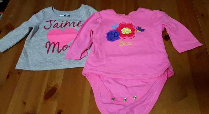 Lot Of 2 Pcs Infant Girl Graphic Shirt In Size 6-9 Months The Childrens Place