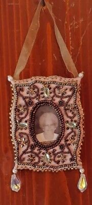 NEW 2002 Hallmark Family Tree Ornament  Part Of Our Legacy Photo Holder QP1343