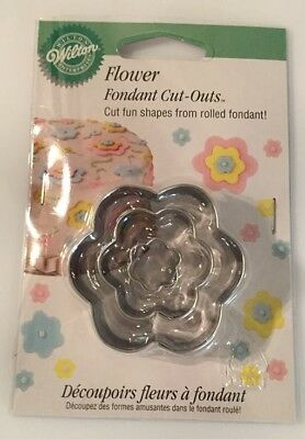 WILTON FLOWER FONDANT CUT-OUTS CAKE DECORATING - Flower Cut Outs