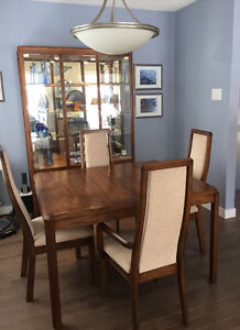 Dining Room Set - 6 piece - remarkable beauty and condition