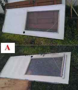 GRATUIT: Panneaux de portes extérieures