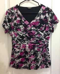 Size Large Floral Ruffled Top