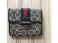 Ladies Gucci Wallet and card holder