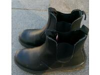 Safety boots (size 10/44)