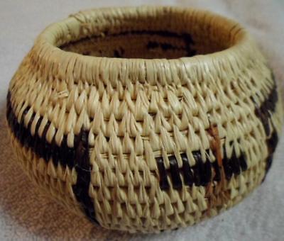 Wounaan Embera Woven Vintage Basket Panama 17043002L