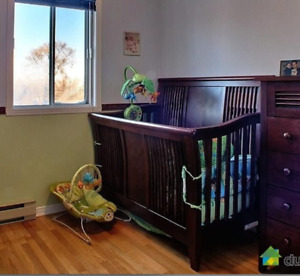 CRIB FOR SELL with Matress, bedding and more!!!!