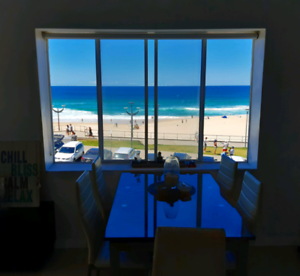 Single room with ocean view in Maroubra Beach - December only