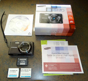 Samsung 14MP Camera 3 Batteries EX Condition