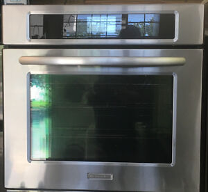 """YEAR OLD KITCHEN AID WALL OVEN STAINLESS STEEL 30"""" REGULAR SIZE"""