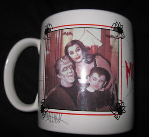 THE MUNSTERS TV SHOW CERAMIC MUG WITH BOX