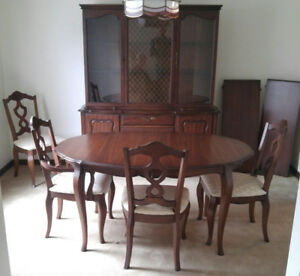 Mid Century Mint Condition Solid Wood Dining Set