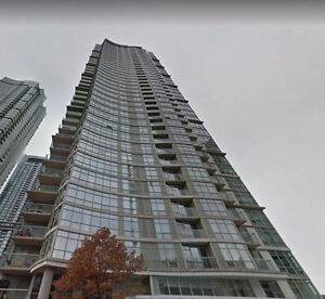 Penthouse 1 bed+den w/ parking & locker! STeps to Rogers Centre