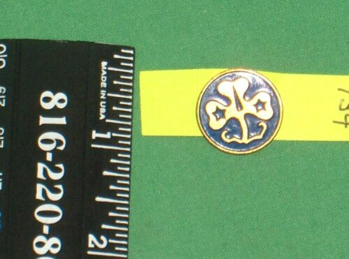 #734* - VINTAGE GIRL SCOUTS OF AMERICA  WORLD ASSOCIATION TREFOIL PIN, CLOVER