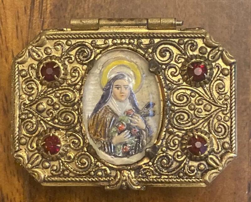 "Vintage Jeweled Gold Tone Pill, Trinket, Rosary Case Box Virgin Mary 2""X1.5"""