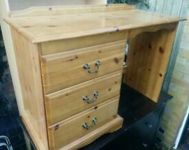 Small Pine Dressing Table can deliver