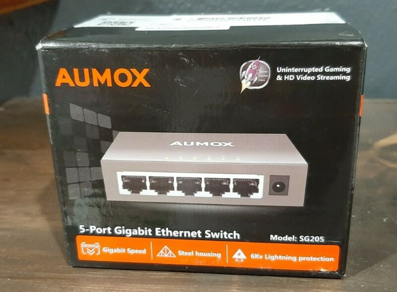 Aumox 5 Port Gigabit Ethernet Network Switch - NEW SG205