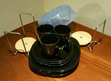 Adjustable plate holders,  microwave lid, 3 black cups 8 plates Quakers Hill Blacktown Area Preview