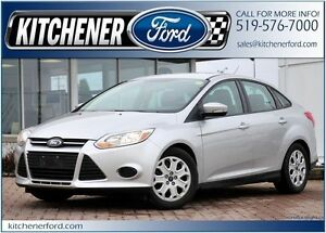 2014 Ford Focus SE/PWR WINDOWS & LOCKS/CLEAN MACHINE; GREAT P...