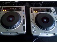 Pair of Pioneer 850 CDJs