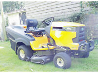 Very High Spec Cub Cadet XT2 PR106IE Rear Collector Lawn tractor and Rear Deflector