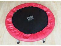 kids trampoline indoor outdoor in new condition