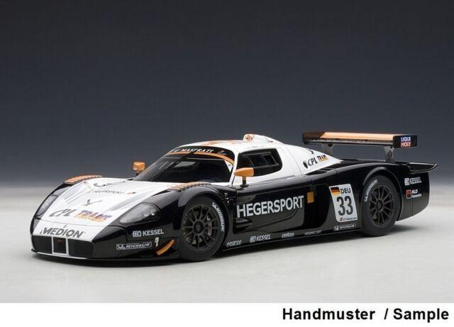 1:18 Autoart MASERATI MC12 GT1 FIA Championship 2010 #33 + Free 1/18